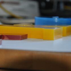 Acrylglas_Farbe_lasergeschnitten-2